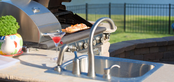 Stainless Steel Outdorr Sink in the BBQ area
